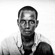 Son beau-frère Ibrahim, lui aussi réfugié à Ngam, n'appréhende pas le traumatisme comme Moussa. Plongé dans le mutisme, les yeux écarquillés fixés sur le vide, il est incapable de décrire vraiment ce qu'il a vécu.