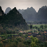 AA01200-02...CHINA - The village of Caoping located on the banks of the Li River.