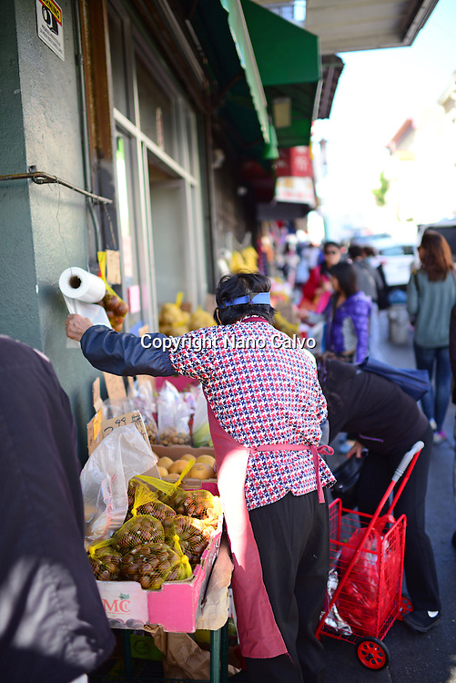 Fruit seller in Chinatown, San Francisco