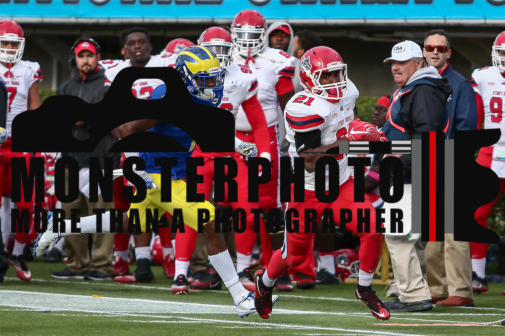 Stony Brook Running back STACEY BEDELL (21) rushes 20 yards for a touchdown during a week eight game between the Delaware Blue Hens and the Stony Brook Seawolves, Saturday, Oct. 22, 2016 at Tubby Raymond Field at Delaware Stadium in Newark, DE.