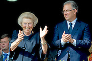 ROTTERDAM - Prinses Beatrix en burgemeester Ahmed Aboutaleb op de tribune tijdens het CHIO Rotterdam. ROYAL IMAGES ROBIN UTRECHT  ROTTERDAM - princess beatrix attends the Chio Rotterdam Horse competition . copyright robin utrecht