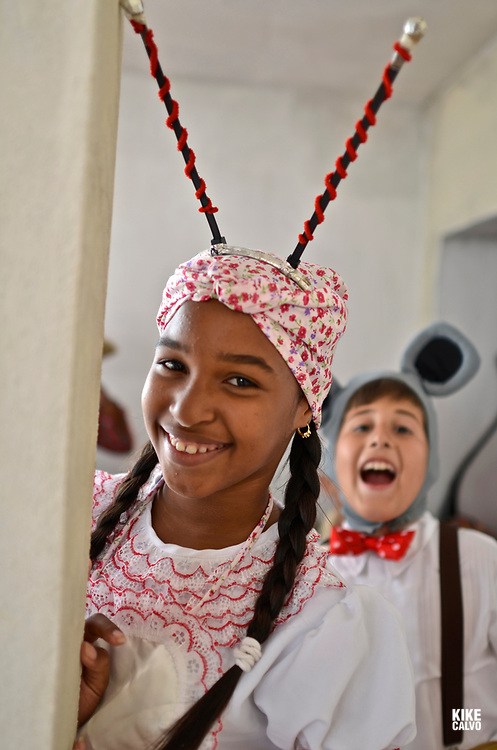 "Children performing the play ""la Cucarachita Martina"",  Abrakadabra theater company"