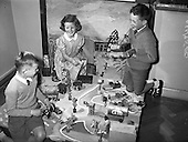 1959 - Children's Esso exhibition at Roslyn Park Convent