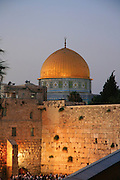 Israel, Jerusalem, The wailing wall and dome of the rock at dusk
