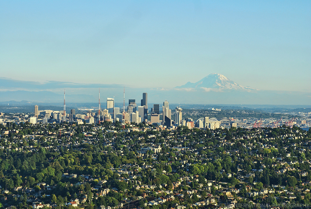 Queen Anne Hill, Seattle Skyline & Mount Rainier