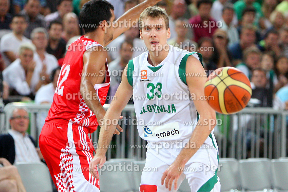Zoran Dragic of Slovenia at friendly match between Slovenia and Croatia for Adecco Cup 2011 as part of exhibition games before European Championship Lithuania on August 8, 2011, in SRC Stozice, Ljubljana, Slovenia. (Photo by Urban Urbanc / Sportida)