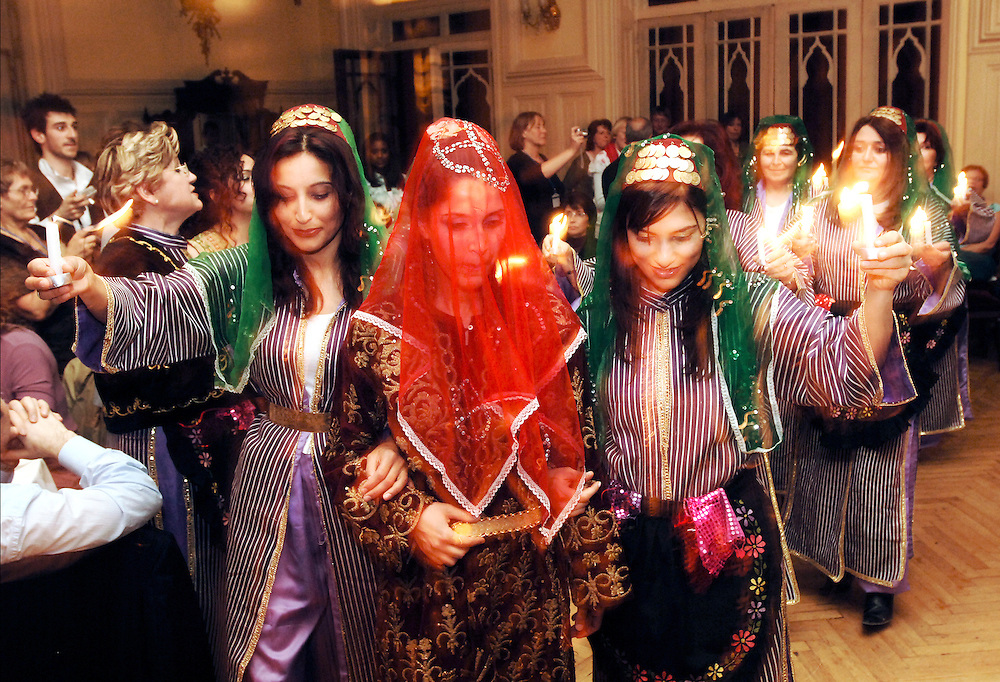 Istanbul, Turkey 05 May 2006.Representation of a typical turkish wedding in the Pera Palace Hotel,  Istanbul...(Keywords: Representation, turkish, wedding,.Traditional, tradition, Band, Ceremony, Cultural, Cultures, Customs, Dance, Travel, Turkey, Turkish,  Veil, oriental dance, turkish woman, tourism, enjoyment, night life, Performance, Traditional Clothing, Arts Culture and Entertainment, woman, women, girls)..Photo:  EZEQUIEL SCAGNETTI © .www.ezequiel-scagnetti.com