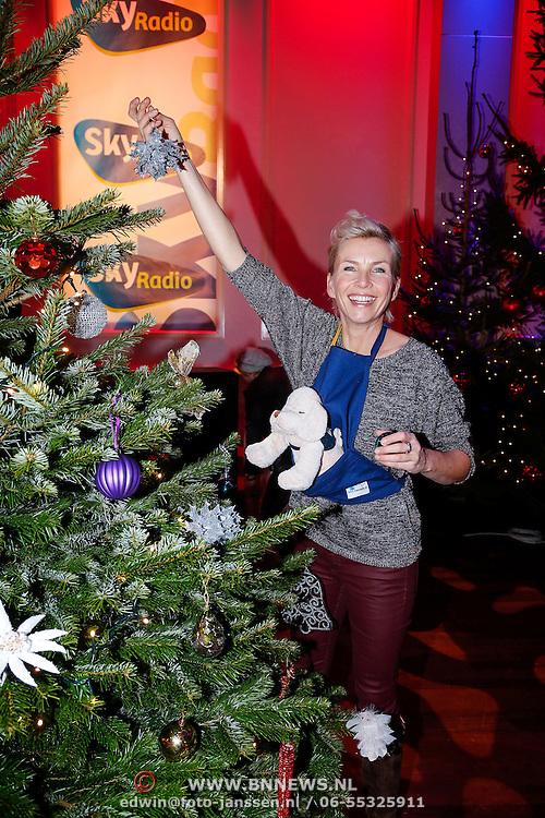 NLD/Hilversum/20121207 - Skyradio Christmas Tree, Anita Witzier