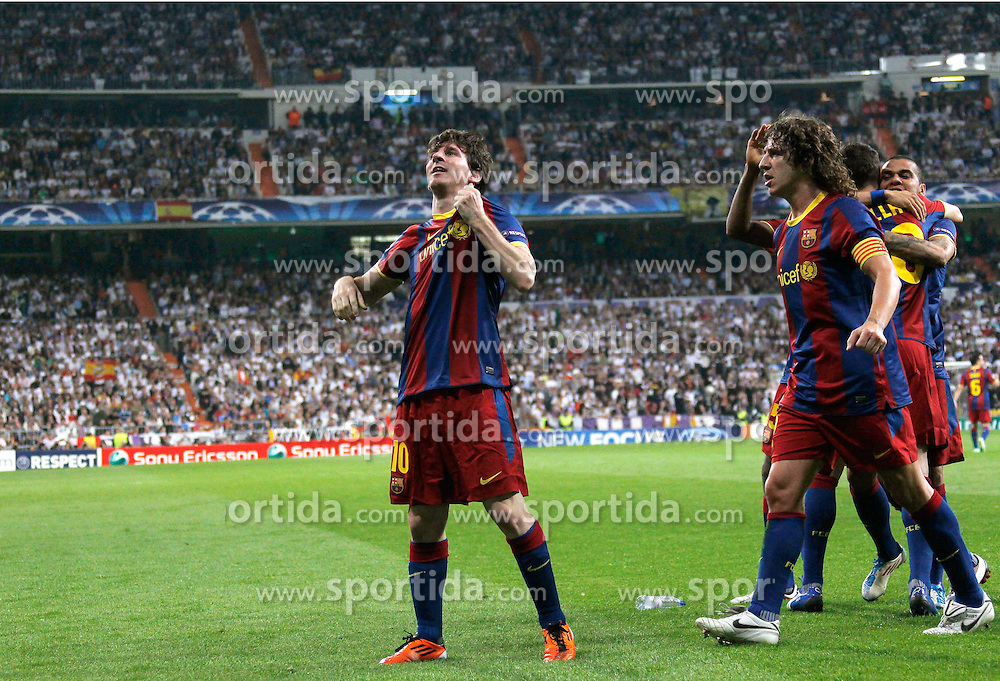 27.04.2011, Estadio Santiago Bernabeu, Madrid, ESP, UEFA CL, Halbfinale, Hinspiel, Real Madrid CF (ESP) vs FC Barcelona (ESP), im Bild Barcelona's Lionel Messi goal, Barcelona Celebrate during Champions League semifinal first match on April 27 2011, EXPA Pictures © 2011, PhotoCredit: EXPA/ Alterphotos/ ALFAQUI / Alex Cid-Fuentes