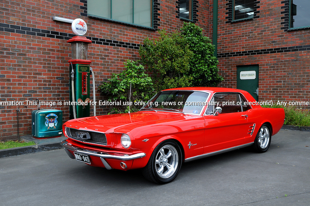1966 Ford Mustang Coupe Signalflare Red Joel