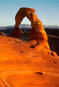 UTAH, NATIONAL PARKS 'Delicate Arch', famous seven story high  sandstone arch in Arches National Park,  near Moab.