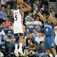 15 April 2007: #5 Baron Davis of the Golden State Warriors shoots a jumpshot over #4 Randy Foye of the Minnesota Timberwolves during the Golden State Warriors 121-108 victory over the Minnesota Timberwolves at the Oracle Arena in Oakland, CA.