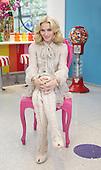 5/1/2008 - Madonna at Dylans Candy Bar