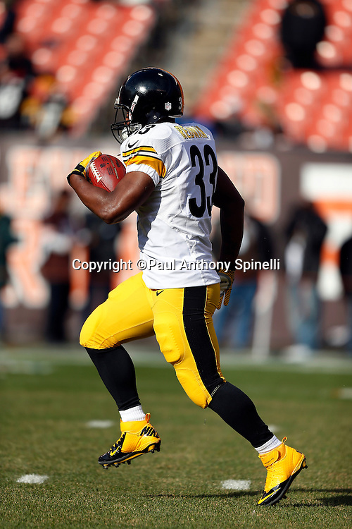 Pittsburgh Steelers running back Isaac Redman (33) runs the ball before the NFL week 12 football game against the Cleveland Browns on Sunday, Nov. 25, 2012 in Cleveland. The Browns won the game 20-14. ©Paul Anthony Spinelli