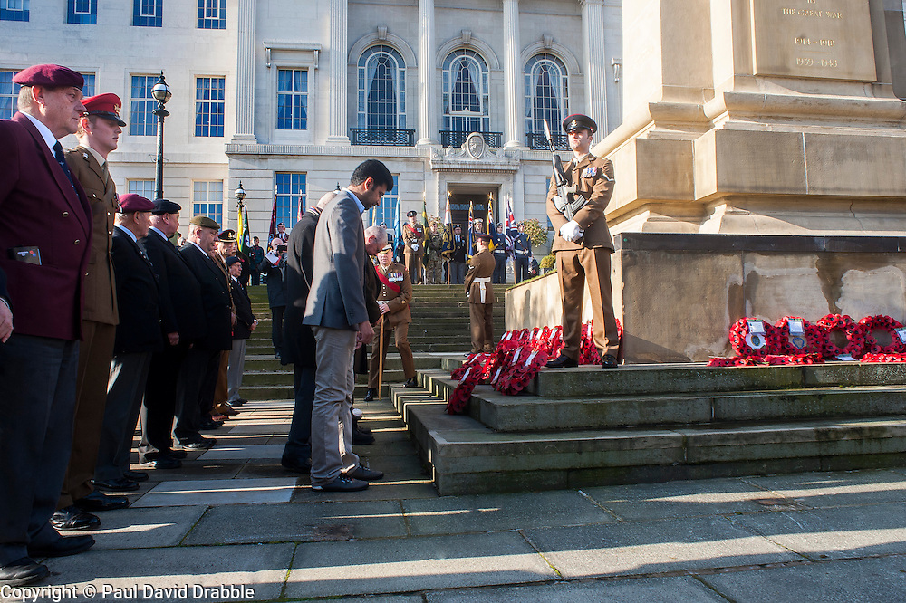 Veterans organisations, cadets military units and families  lay their wreaths of poppies at the Barnsley War Memorial on Remembrance Sunday as Barnsley Marks the Centenary of the out break of World War I<br /> <br /> 09 November 2014<br /> <br /> Image &copy; Paul David Drabble <br /> <br /> www.pauldaviddrabble.co.uk
