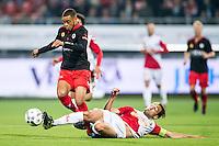 ROTTERDAM - SBV Excelsior - FC Utrecht , Voetbal , Eredivisie, Seizoen 2015/2016 , Stadion Woudestein , 03-10-2015 , Excelsior speler Brandley Kuwas (l) brengt uit maar FC Utrecht speler Rico Strieder (r) weet hem te stoppen