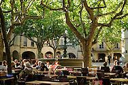 France, Languedoc Roussillon, Gard, Uzège, Uzès, place aux herbes