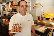 Fratelli Lyon Driade, im Miami Design District, eine Mischung aus Restaurant und Moebelhaus.Im Bild: Chef Kenneth A. Lyon ..Florida 2009..Foto © Stefan Falke.