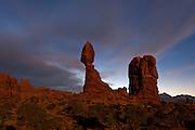 UT00117-00...UTAH - Balanced Rock in Arches National Park.