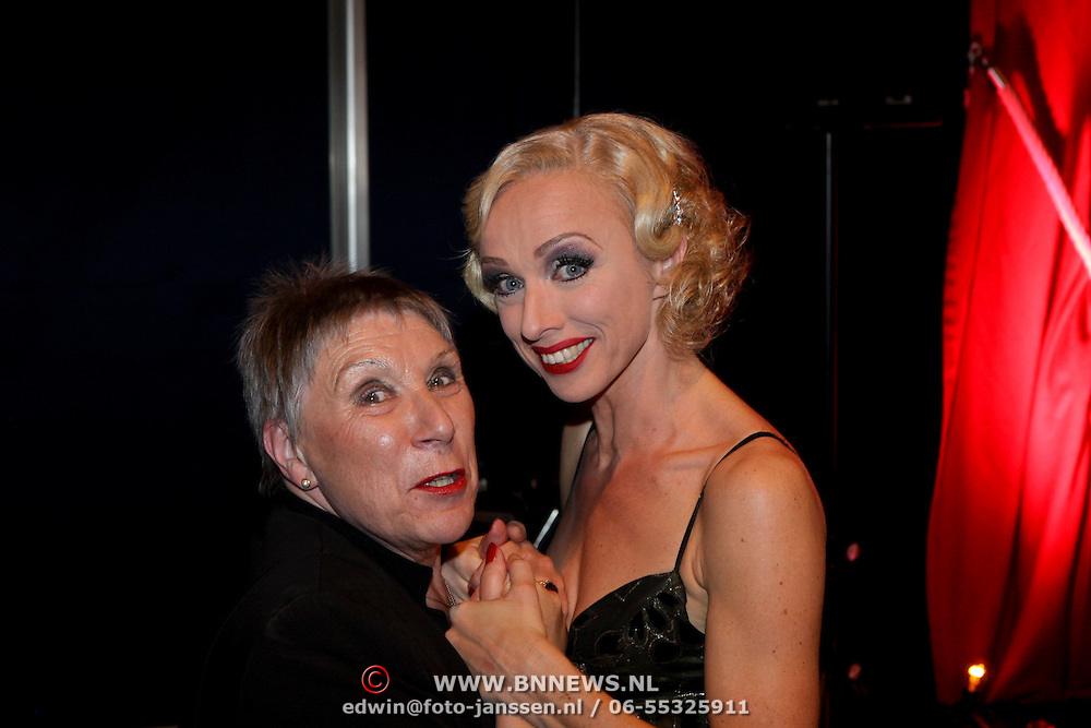NLD/Eindhoven/20081012 - Premiere Cabaret, Ellen Evers en haar moeder