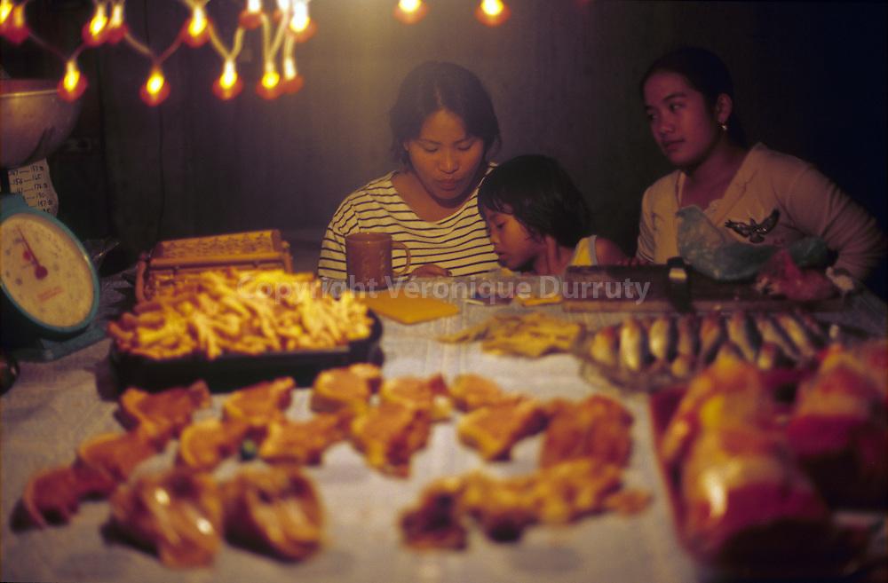 NIGHT MARKET, BAGUIO, LUZON, PHILIPPINES