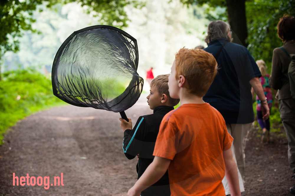 Nederland,  Enschede ,Hof Espelo zondag 25aug 2013 Vlinderdag op Hof Espelo / Landschap Overijssel. Goed bezochte vlinderwandeling / zoektocht met aansluitend een theatervoorstelling over rupsen en vlinders.