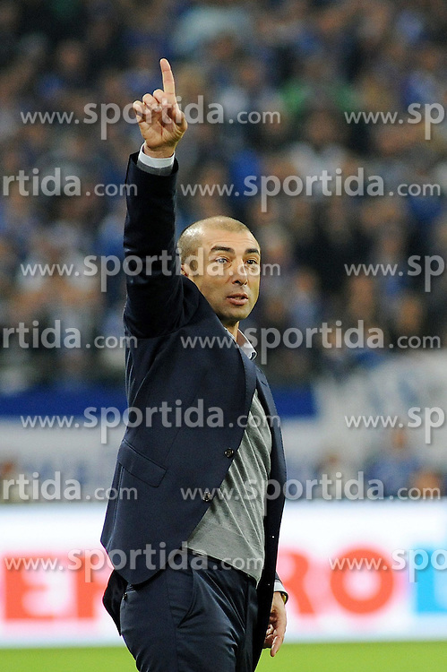 31.10.2014, Veltins Arena, Gelsenkirchen, GER, 1. FBL, Schalke 04 vs FC Augsburg, 10. Runde, im Bild Trainer Roberto di Matteo ( Schalke 04 ) zeigt an, es geht aufwaerts. // during the German Bundesliga 10th round match between Schalke 04 and FC Augsburg at the Veltins Arena in Gelsenkirchen, Germany on 2014/10/31. EXPA Pictures &copy; 2014, PhotoCredit: EXPA/ Eibner-Pressefoto/ Thienel<br /> <br /> *****ATTENTION - OUT of GER*****