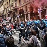Primo Maggio, tensioni e scontri a Torino