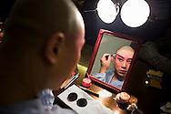 Actor of Pekin Opera making up. Laoshe Teahouse. Nº3 Qianmen Avenue West,Beijing, China