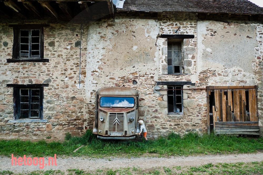 Domaine de Royères.Rik, Odilia, Tijn en Sen Jansen.Royères.87800 la Roche l'Abeille.Frankrijk