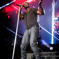 Seal performs on stage at the SSE Hydro on  December 06, 2015 in Glasgow, Scotland