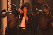 9/7/2001 - Michael Jackson 30th Anniversary Concert at MSG - Hogan