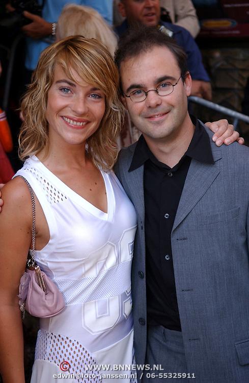 NLD/Amsterdam/20050710 - Premiere Zoop the Movie, Fleur van der Kieft en partner