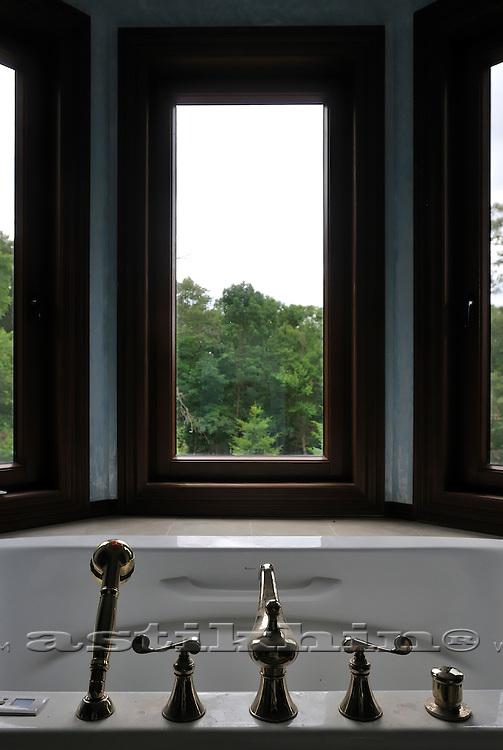 Window in bathroom