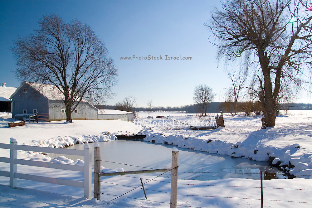 Wisconsin USA, Snow covered countryside, Germantown, WI. December 2006