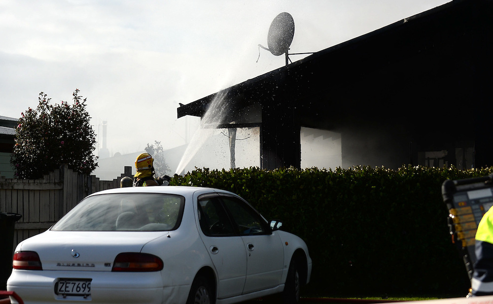 Emergency Services are called to a House fire in Flaxmere, Hastings, New Zealand, Monday, July 21, 2014. Credit:  SNPA /Sarah Alderman