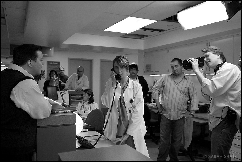 "Ricky Gervais, Kristen Wiig, Jeffrey Bernstein, David Koepp on the set of ""Ghost Town"" (Dir: David Koepp, 2008)"