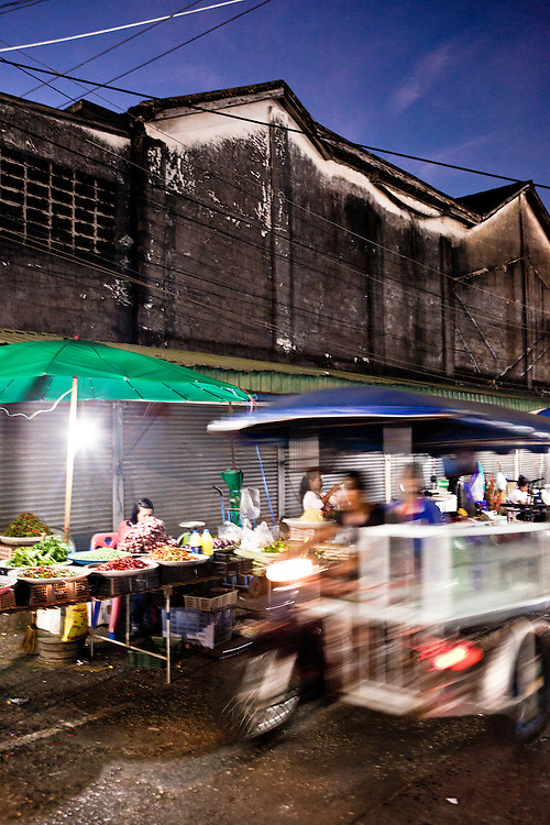Wet market downtown at Thanon Ranong, Phuket.