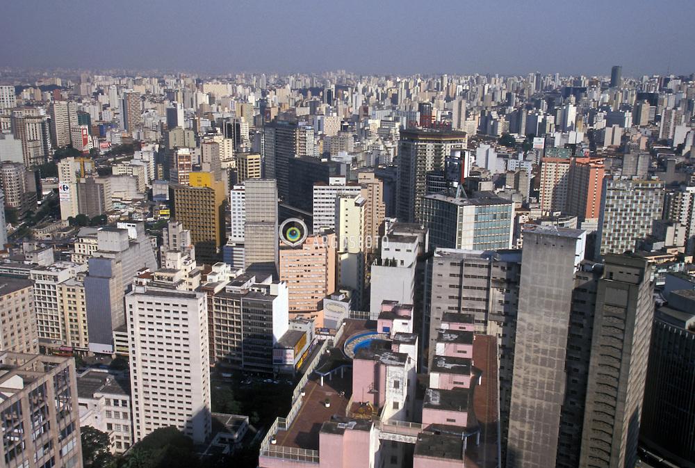 Sao Paulo, Sao Paulo, Brasil..Vista aerea de predios na regiao central./ Aerial View of the central area of Sao Paulo city..Foto ©Marcos Issa/Argosfoto