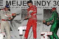 Ryan Briscoe. Ed Carpenter, Tony Kanaan, Meijer Indy 300, Kentucky Speedway, Sparta, KY 010809 09IRL12