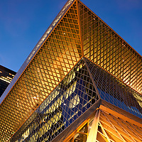 WA10108-00...WASHINGTON - Evening at the downtown branch of the Seattle Public Library building.