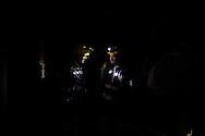 Nella maggior parte delle gallerie l'illuminazione e' costituita solo dalla luce dei caschi dei minatori