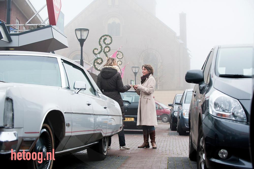 Nederland, heino - Corine Dornan, een vrijwilliger op wie wij altijd kunnen rekenen als we acties doen, zoals het maken van een promotiefilmpje, vrijwilligersfestival, of de straat opgaan voor natuur. Wij ontmoeten ook haar thuis in Heino