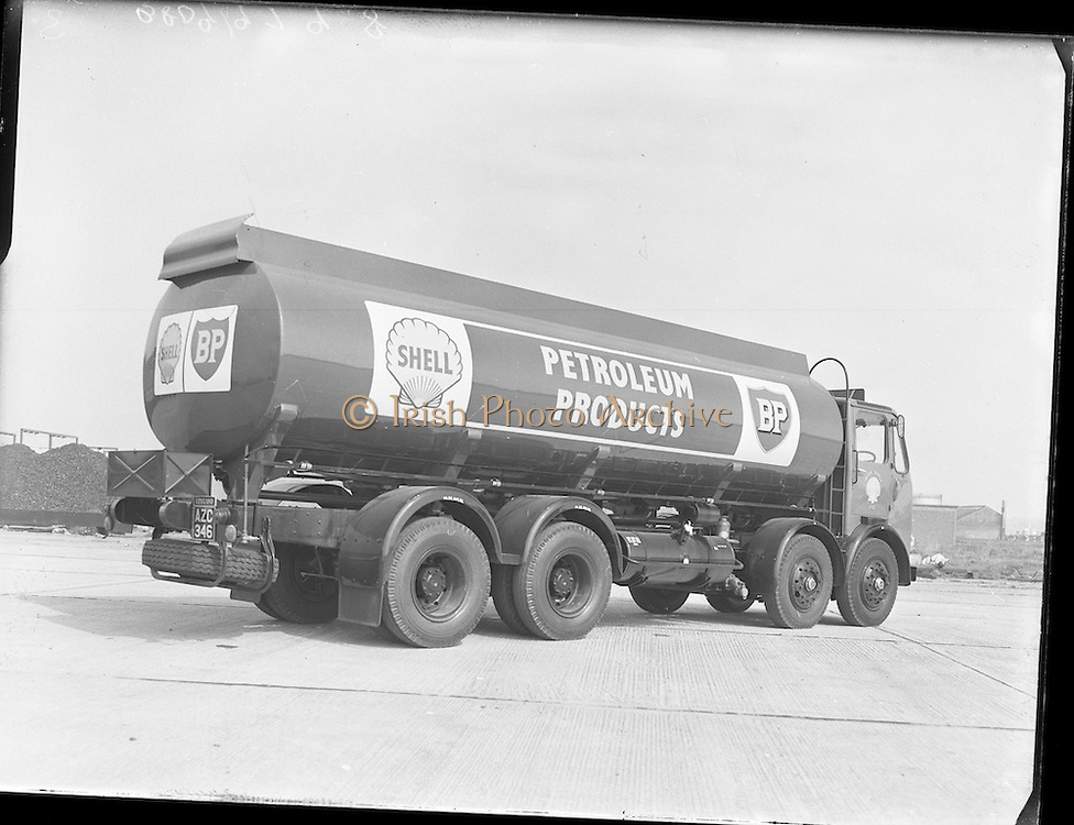 New Shell Tanker at North Wall<br /> 20.04.1961