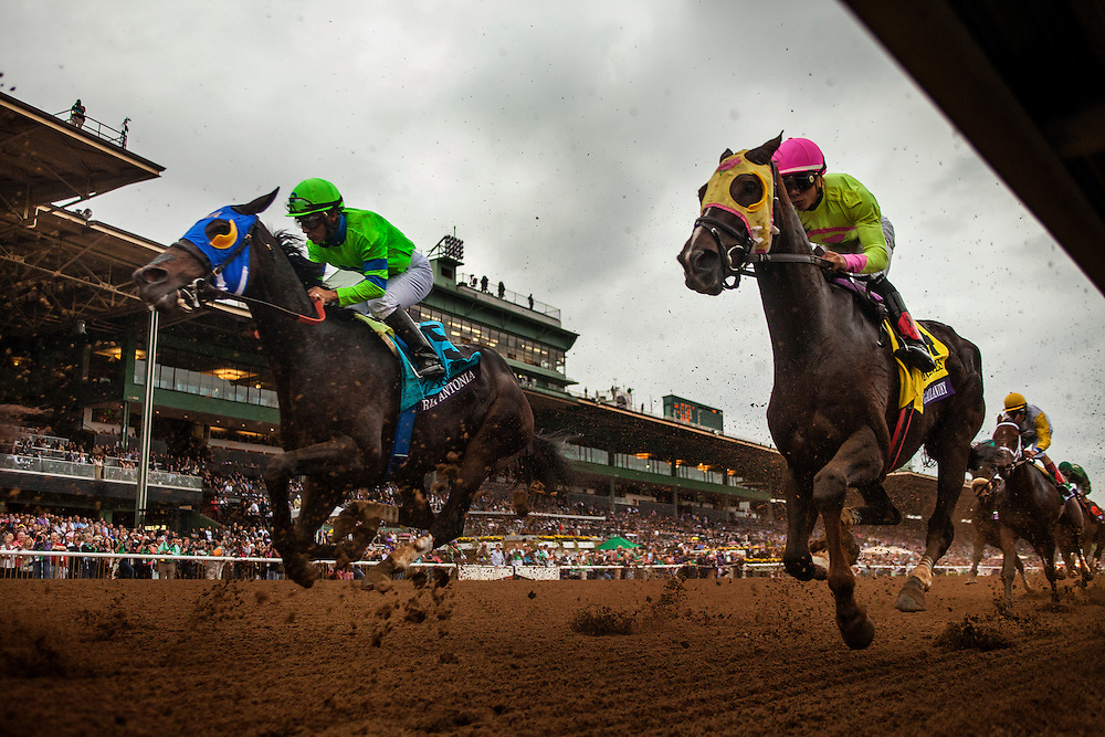 October 31 2014: Belle Gallantey, ridden by Jose Ortiz and trained by Rudy Rodriguez, and, Ria Antonia, ridden by Paco Lopez and trained by Tom Amoss, race in the Breeders' Cup Distaff (G1) at Santa Anita Park in Arcadia, California on October 31, 2014. Alex Evers/ESW/CSM