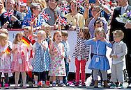 25-6-2015 FRANKFURT  - Britain's Queen Elizabeth II and her husband Prince Philip, The Duke of Edinburgh with German President Joachim Gauck (R) and partner of the German President Daniela Schadt (L) as they arrive at .COPYRIGHTROBIN UTRECHT