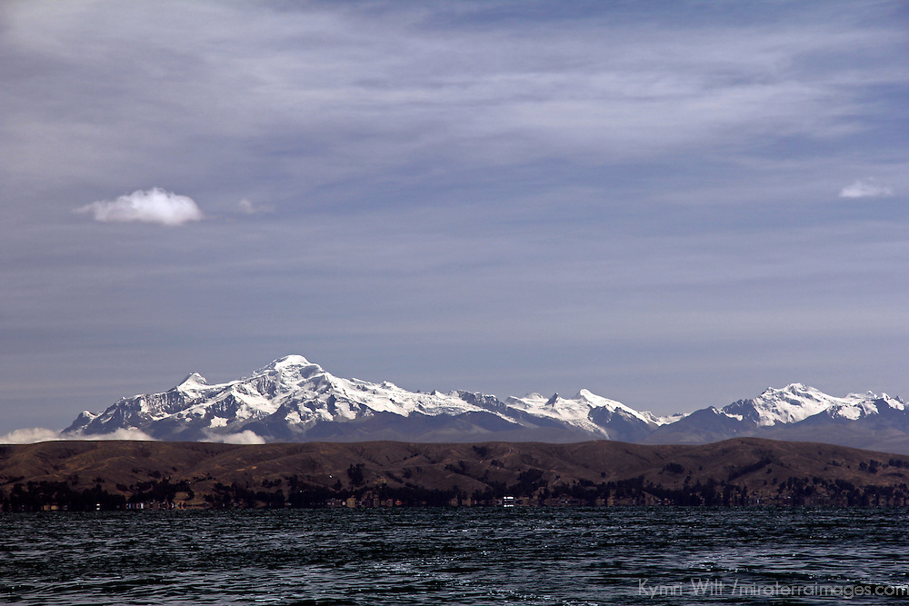 South America, Bolivia, Scenic view at Lake Titicaca, the highest navigable lake in the world.