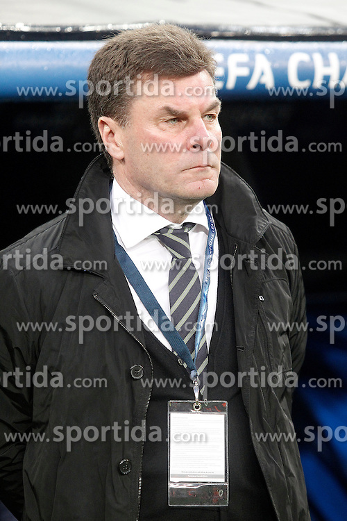 12.04.2016, Estadio Santiago Bernabeu, Madrid, ESP, UEFA CL, Real Madrid vs VfL Wolfsburg, Viertelfinale, Rueckspiel, im Bild WfL Wolfsburg's coach Dieter Hecking // during the UEFA Champions League Quaterfinal, 2nd Leg match between Real Madrid and VfL Wolfsburg at the Estadio Santiago Bernabeu in Madrid, Spain on 2016/04/12. EXPA Pictures &copy; 2016, PhotoCredit: EXPA/ Alterphotos/ Acero<br /> <br /> *****ATTENTION - OUT of ESP, SUI*****