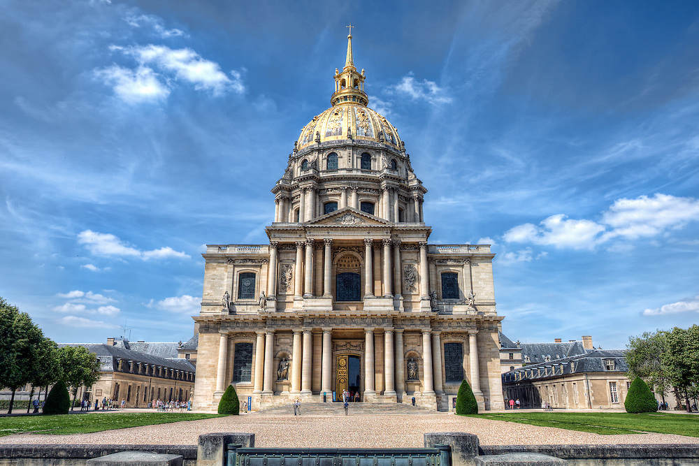 Les Invalides (officially known as L'Hôtel national des Invalides (The National Residence of the Invalids), or also as L'Hôtel des Invalides, is a complex of buildings in the 7th arrondissement of Paris, France, containing museums and monuments, all relating to the military history of France, as well as a hospital and a retirement home for war veterans, the building's original purpose. The buildings house the Musée de l'Armée, the military museum of the Army of France, the Musée des Plans-Reliefs, and the Musée d'Histoire Contemporaine, as well as the burial site for some of France's war heroes, notably Napoleon Bonaparte.
