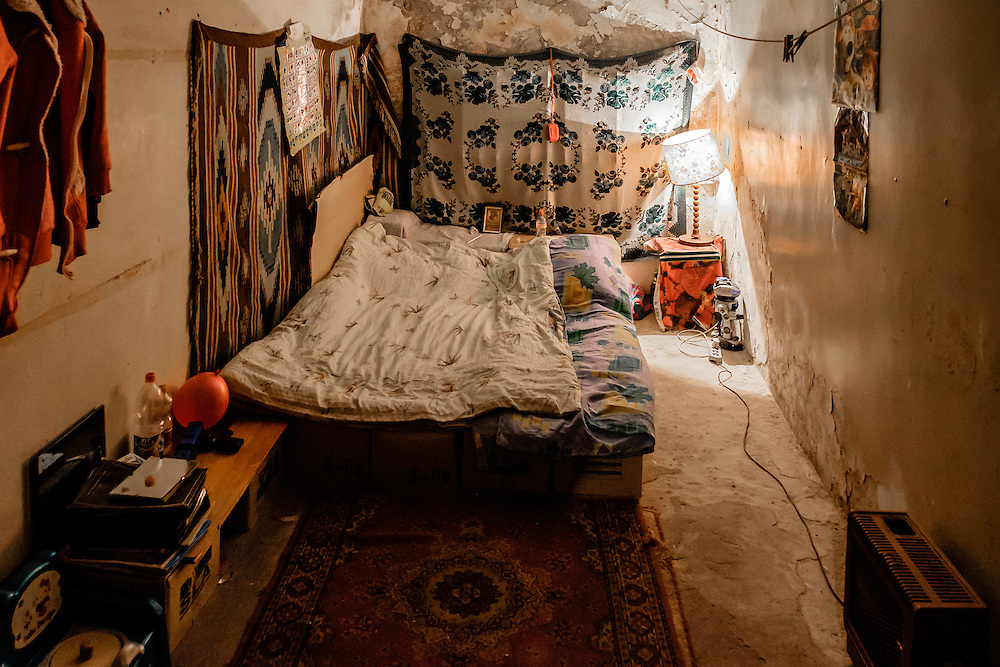 15 of April 2015 / Petrovski/ Donetsk Oblast/ Ukraine - Inside one of the room. Typical bed in the bunker; made of empty cardboard boxes.